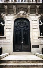 130 Commonwealth Avenue, Boston. #boston #massachusets #doors #doorporn #stackables  #stackablesapp #backbay #frontdoor (peppermcc) Tags: boston massachusets doors doorporn stackables stackablesapp