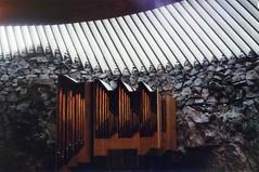 Temppeliaukio church organ (ture360) Tags: yashicafx70 fujicolorsuperiaxtra400 filmcamera epsonv200 selfscanned temppeliaukiochurch analog yashicalens ml50mm