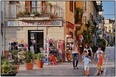 Ferramenta Casalinghi (/RealityScanner/) Tags: italien italy cilento travel reise autumn herbst mediterranean panasonic lumix gx80 ferramenta casalinghi santamaria castellabate donne bambini frauen kinder shop eisenwaren haushaltwaren toys street streetphotography
