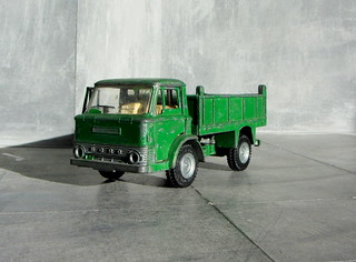 Dinky Kits Ford D800 Tipper Truck No. 1029 1973 Restoration And Conversion To Military : Diorama Winter Scenery - 26 Of 28