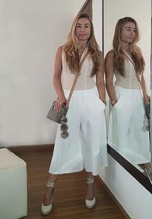 Look monocromático em tons de off-white e branco para trabalhar feliz no verão! #amooquefaco    www.personalstylistbh.com.br  #moda #trend #fashion #tendencias #estilo #style #personalstylist #personalstylistbh #consultoriadeimagem #consultoriadeimagembh
