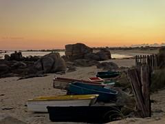 Les  barques  ... (Eric DOLLET - Très peu présent) Tags: ericdollet finistère bretagne ménéham ciel matin barques