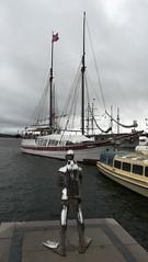 sailing and diving Oslo (L C L) Tags: oslo loretocantero sailing lcl nublado cloudy sky cielo noruega europa europe viajar travel journey