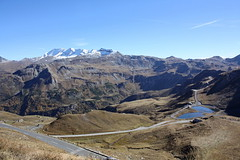Blick zur Fuscher Lacke und zur Goldberggruppe mit der Noesspitze (3010 m) (Helgoland01) Tags: grosglocknerhochalpenstrase grosglockner österreich alpen alps salzburg