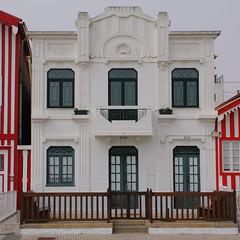Costa Nova (hans pohl) Tags: portugal aveiro architecture houses maisons fenêtres windows doors portes façades