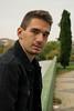 Jorge (Santos98___) Tags: portrait retrato arbol parque chaqueta negro vaquero denim verde tree green black cielo gris grey