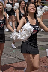 High School Cheers (swong95765) Tags: girls female cheer cheerleaders highschool pompom happy parade beautiful