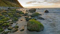 Am Strand (nordelch61) Tags: mecklenburg vorpommern insel rügen halbinsel wittow rollsteinstrand strand steine felsen findlinge moos meer wellen