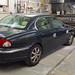 Jaguar en tôlerie pour des réparations sur le côté droit du véhicule. Carrosserie inter-union - 53 route de suisse, 1295 Mies Tél.022 755 45 30 - Fax. 022 779 03 28 Site internet: www.interunion.ch
