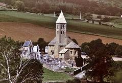 Mazille (Saône et Loire) (Cletus Awreetus) Tags: france bourgogne saôneetloire mazille architecture église clocher artroman troudeboulin cimetière arbre
