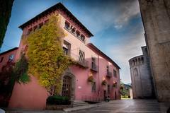 Casa de la Seu d'Urgell (jlmontes) Tags: granangular lleida españa spain catalunya catalonia cataluña colores casa pueblo samyang14mm nikond3100