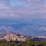 Tudela de Segre i lo Castellot d'Artesa de Segre amb lo Montsec de Rúbies al fons. thumbnail