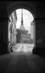 Torino (Valt3r Rav3ra - DEVOted!) Tags: lomo lomography lca lomolca streetphotography street sovietcamera russiancamera bw biancoenero blackandwhite valt3r valterravera visioniurbane urbanvisions ilfordhp5 torino mole piemonte italy architecture architettura 35mm film