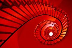 Hell's kitchen (meghimeg) Tags: 2017 genova scala stairs gradini steps rosso red royo rot architettura