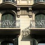 Arches and shadows, Barcelona thumbnail