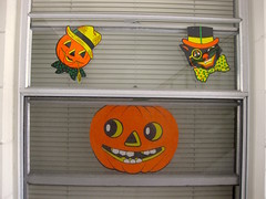 It's beginning to look a lot like Beistle! (giveawayboy) Tags: halloween diecut decorations beistle cardboard window october pumpkin jackolantern cat scarecrow monocle bowtie tophat scarf paper festive seasonal holiday