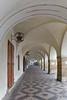 unterwegs zur Prager Burg (heitabu50) Tags: prag tschechien europa burg bogengang