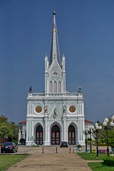 Nativity of Our Lady Cathedral by the Mae Klong river in Bang Nok Khwaek in Samut Songkhram province, Thailand (UweBKK (α 77 on )) Tags: nativityofourlady nativity lady cathedral bang nok khwaek bangnokkhwaek samut songkhram thailand southeast asia church roman catholic religion religious architecture building french gothic style sony alpha 77 slt dslr mae klong river