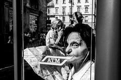 Non tutti gli sguardi passano, indifferenti...( Dora Liguori ) (Alessandro Luigi Rocchi) Tags: verde