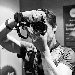 streets_of_sanktjohann (raketenaffe) Tags: selfie sony zeiss a7r2 mirror street brew black white monochrome