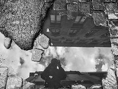 Santiago de Chile (Alejandro Bonilla) Tags: santiago street sony santiagodechile santiaguinos streetphotography santiagocentro santiagochile chile city ciudad chilenos bw blancoynegro bn blackandwhite