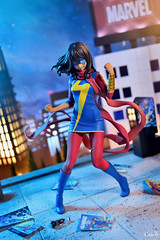 CSC_6776 copy (GaleXV) Tags: jfigure bfigure kotobukiya marvel msmarvel kamalakhan bishoujo diorama city night buildings nikon d3100 toyphotography