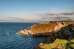 Del cabo Vidio hacia el Oeste (ccc.39) Tags: asturias españa cudillero oviñana cabo vidio cantábrico mar costa acantilados atardecer sunset sea seascape cape coast