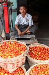 BY THE KILO (dayvmac) Tags: mandalay markets people fruit