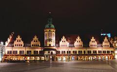 Altes Rathaus (ingrid eulenfan) Tags: leipzig rathaus markt nacht nachtaufnahme night nightscene oldtownhall gebäude himmel haus uhr
