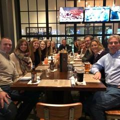 Freshmen Hannah Bunde, Carolyn Hovious, Morgan Borchardt, and Hannah Mertens with families out for dinner