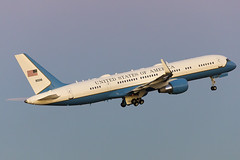 09-0016 (jmorgan41383) Tags: 090016 af1 airforce1 airforceone boeing boeing757 potus dallas kdal dal trump donald donaldtrump president presidenttrump
