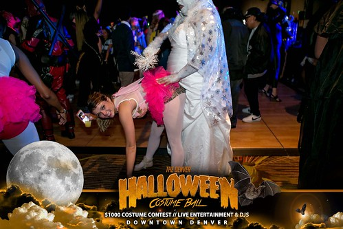 "Halloween Costume Ball 2017 • <a style=""font-size:0.8em;"" href=""http://www.flickr.com/photos/95348018@N07/24225093228/"" target=""_blank"">View on Flickr</a>"