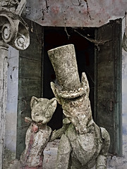 One was named Cat and the other one Fox (pepe50) Tags: pepe50 canon alice nelly alicenelly statue veneto italy casadellefavole italia 2017 travel leisure funny party decay urbex decadenza abbandono abandoned flickr