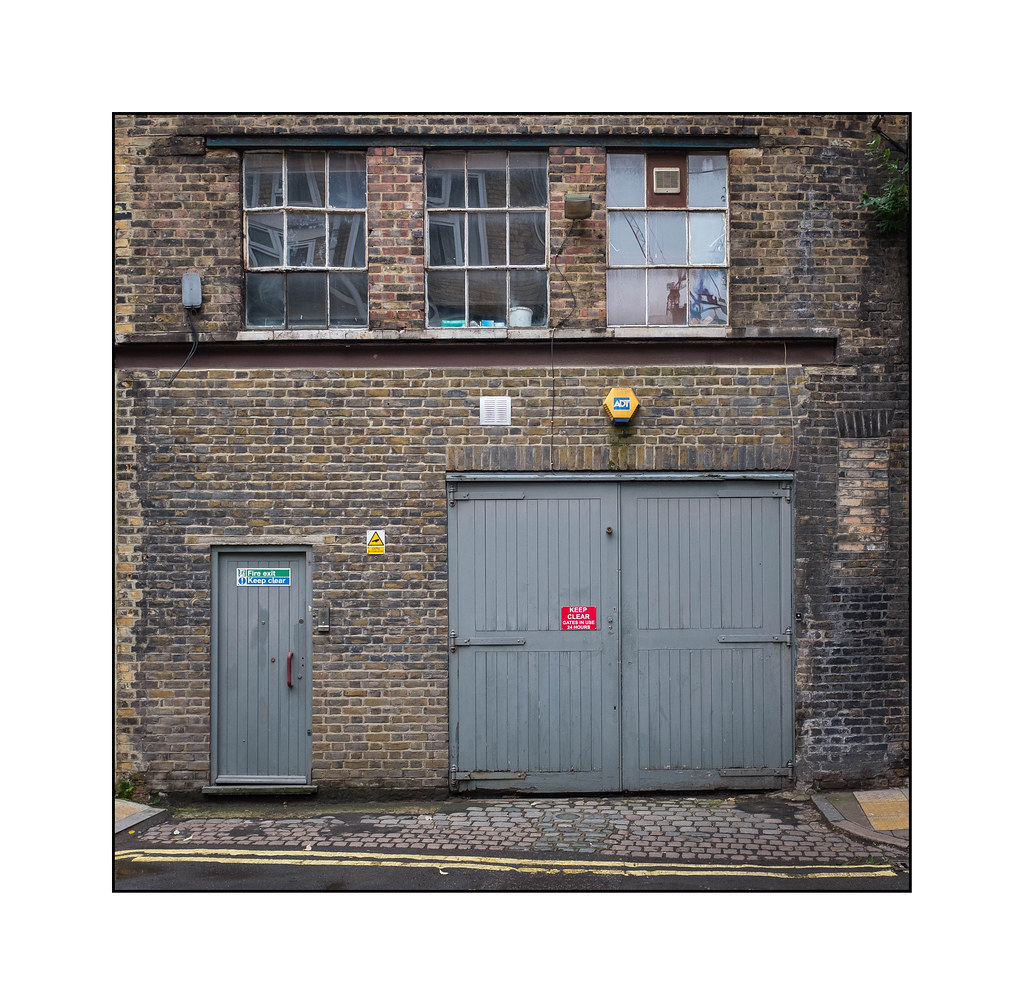 Lights The Garage London: The World's Best Photos Of Garage And Signage