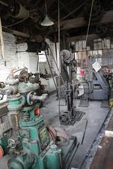 Engineering shop (daveandlyn1) Tags: blistshillvictorianvillage machineshop telford ironbridge iii f3556 efs1855mm 1200d eos canon machinery
