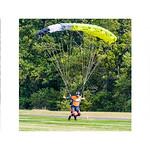 Parachutists thumbnail