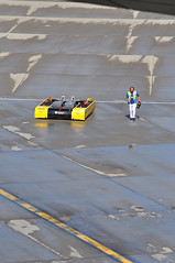 August 2017, Heathrow Terminal 5: British Airways becomes the first airline - worldwide - to introduce remote-controlled, electric, push-back technology. (A380spotter) Tags: departure pushback tow groundsupportequipmentgse tug tractor aircrafttractor towbarless electricaircrafttug automatedguidedvehicleagv mototokinternationalgmbh mototokeasymoving spacer8600ma pb0004 aircraftmovementscrewleader internationalconsolidatedairlinesgroupsa iag britishairways baw ba apron stand501 501 gatea1 t5a terminal5 terminalfive london heathrow egll lhr