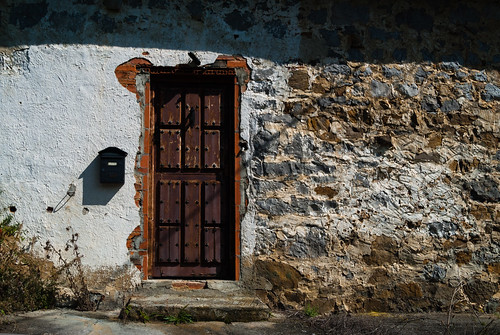Puerta Marrón
