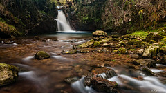 Esperando la lluvia (Carpetovetón) Tags: agua río pisueña largaexposición cascada saltoagua nikond200 sigma1020 cantabria españa