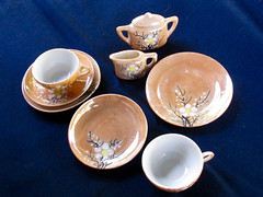 Tea Set (M.P.N.texan) Tags: teaset childs childrens miniature peachlustre vintage collectible dish dishes china