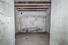 Abri 4 cuve III (Bernard Ddd) Tags: 12hkar1290 soute canonde17cm 3x17cmk18l50 rhl045 abri saintpierre sudwall cuve martigues provencealpescôtedazur france fr