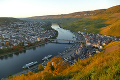 P1070271 (piotr.rpg7) Tags: sunset bernkastelkues landscape sky city river mountain