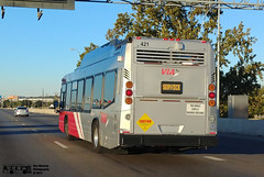 421 Nova LFS Natural Gas (transit addict 327) Tags: viametropolitantransit bus novabus lfs cng compressednaturalgas sanantonio texas lg g6 phonecamera 2017