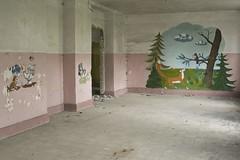 _MG_6698 (daniel.p.dezso) Tags: kiskunmajsa laktanya orosz kiskunmajsai majsai former soviet barrack elhagyatott urbex abandon ruin building drawing abandoned military base militarybase