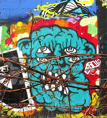 Double Face (Kay Harpa) Tags: streetart murs paintedwalls artinthecity graffitis paris france photokay thebiggestgroup