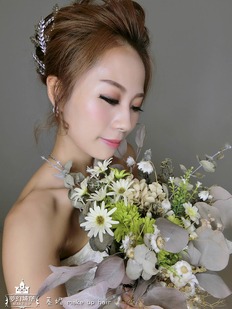 【新秘蓁妮】新娘造型創作 / 名媛風簡約盤髮