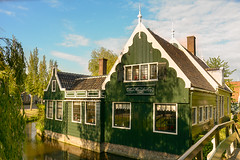 Traditional Dutch House (malc1702) Tags: traditionalhouse zanseshaans amsterdam netherlands travel travelphotography nikond7100 nikkor18140mm beautiful touristattraction tourism house building traditional bluesky