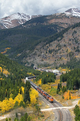 Color under James Peak (Moffat Road) Tags: bnsf freighttrain continentaldivide autumn fallcolor ge 6222 es44ac aspens eastportal moffattunnel upmoffattunnelsub colorado train railroad locomotive co mpvoden