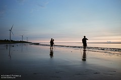 Seize the moment ([M!chael]) Tags: nikon f3hp nikkor 5014 ai fujifilm 400t 8583 film moviefilm motionpicturemoviefilm taiwan manual sea miaoli