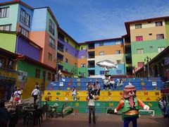 J'en vois de toutes les couleurs ! - Guatapé (Play(boy)mobil) Tags: playmobil colombie colombia guatape couleur color
